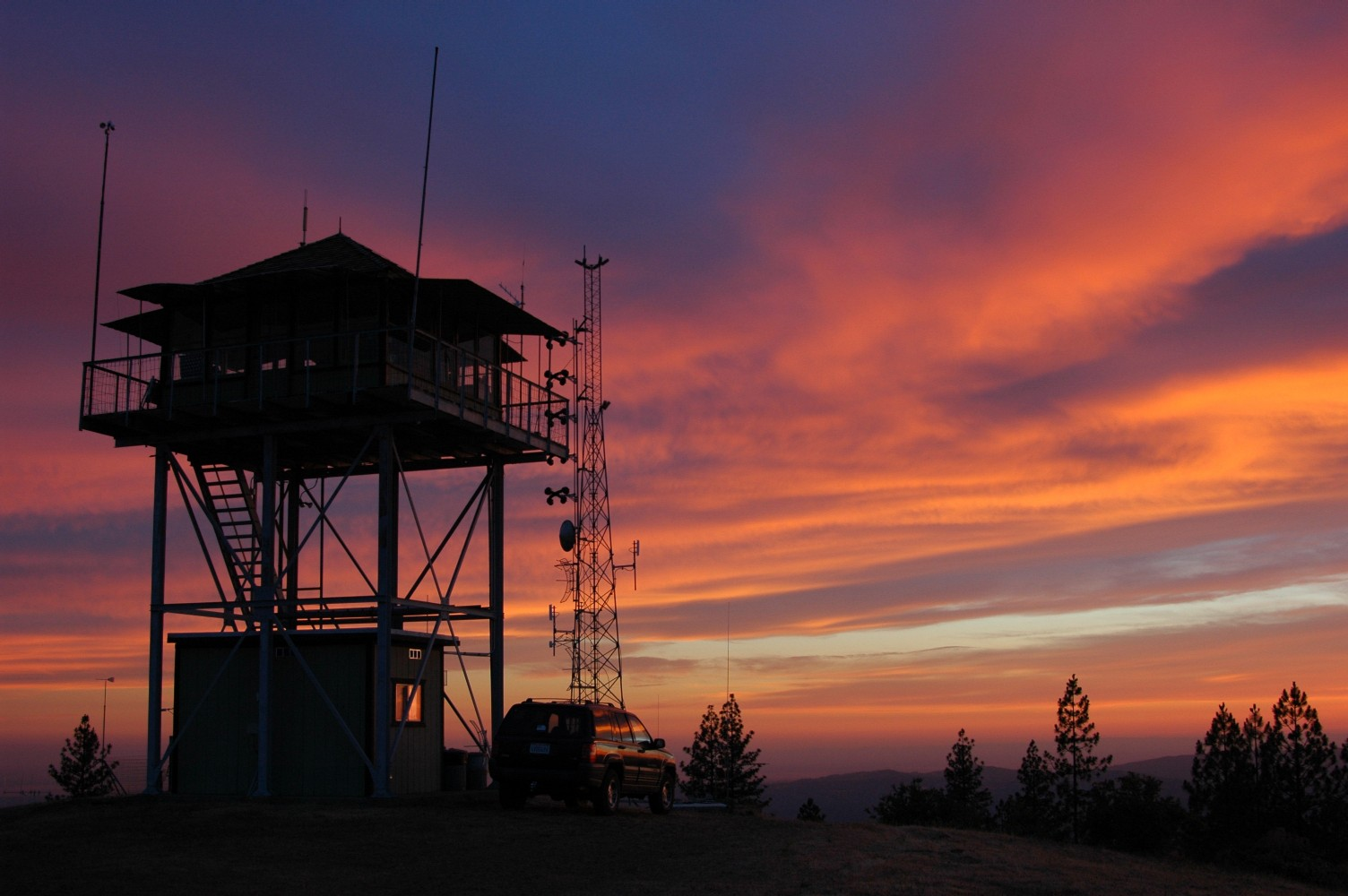 ?? fire lookout picture